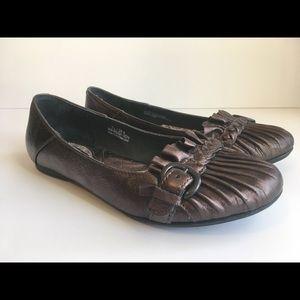 Born Flats 7.5 Bronze Metallic Comfort Shoes